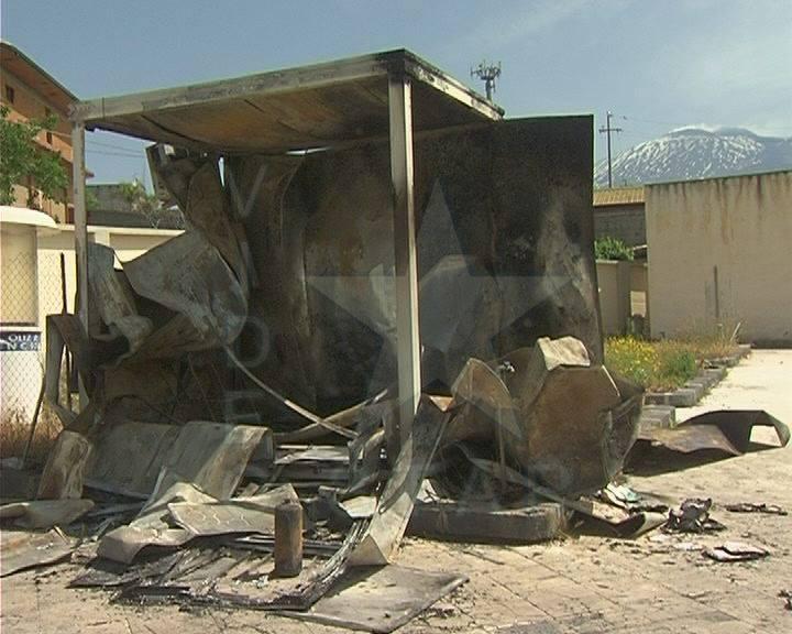 Ufficio In Fiamme : In fiamme lufficio del cantiere della nuova cappella del cimitero